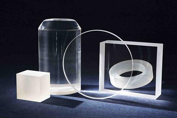 Transparent quartz ingot